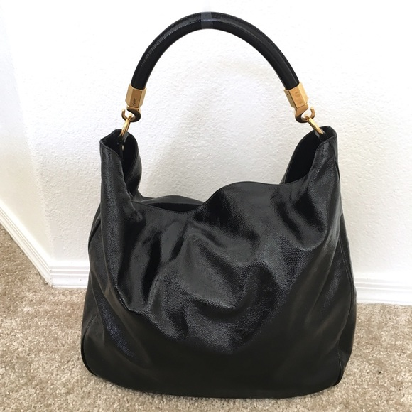 5dffb80822c YSL Yves Saint Laurent Black Patent Roady Bag. M 5a723f623b16087e63a0f16e